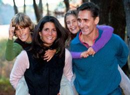 Dr. Chapman & Dr. DeFrança with their kids